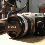 Front of a Pentax Q7 (taken with Konica Minolta Dimage Z2)